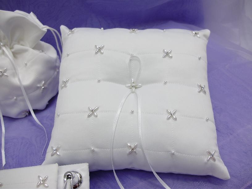 Pearl Ring Pillow with Lace Detail