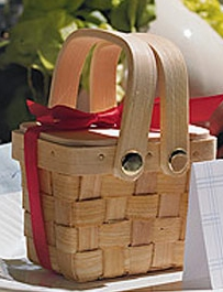 Set of 25 Minature Picnic Baskets with Chocolate Inside