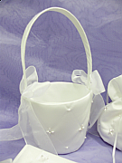 Pearl Flowergirl Basket With Pearl Detailing
