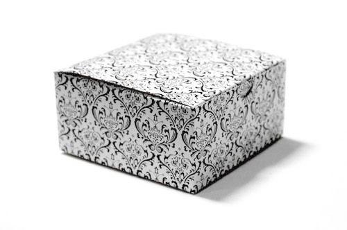 Cake boxes damask